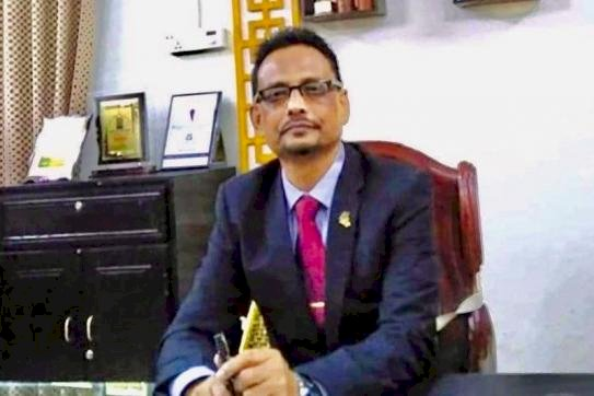 'অসহায়' অধ্যক্ষ চাইলেন  'রাজনৈতিক সহযোগিতা'